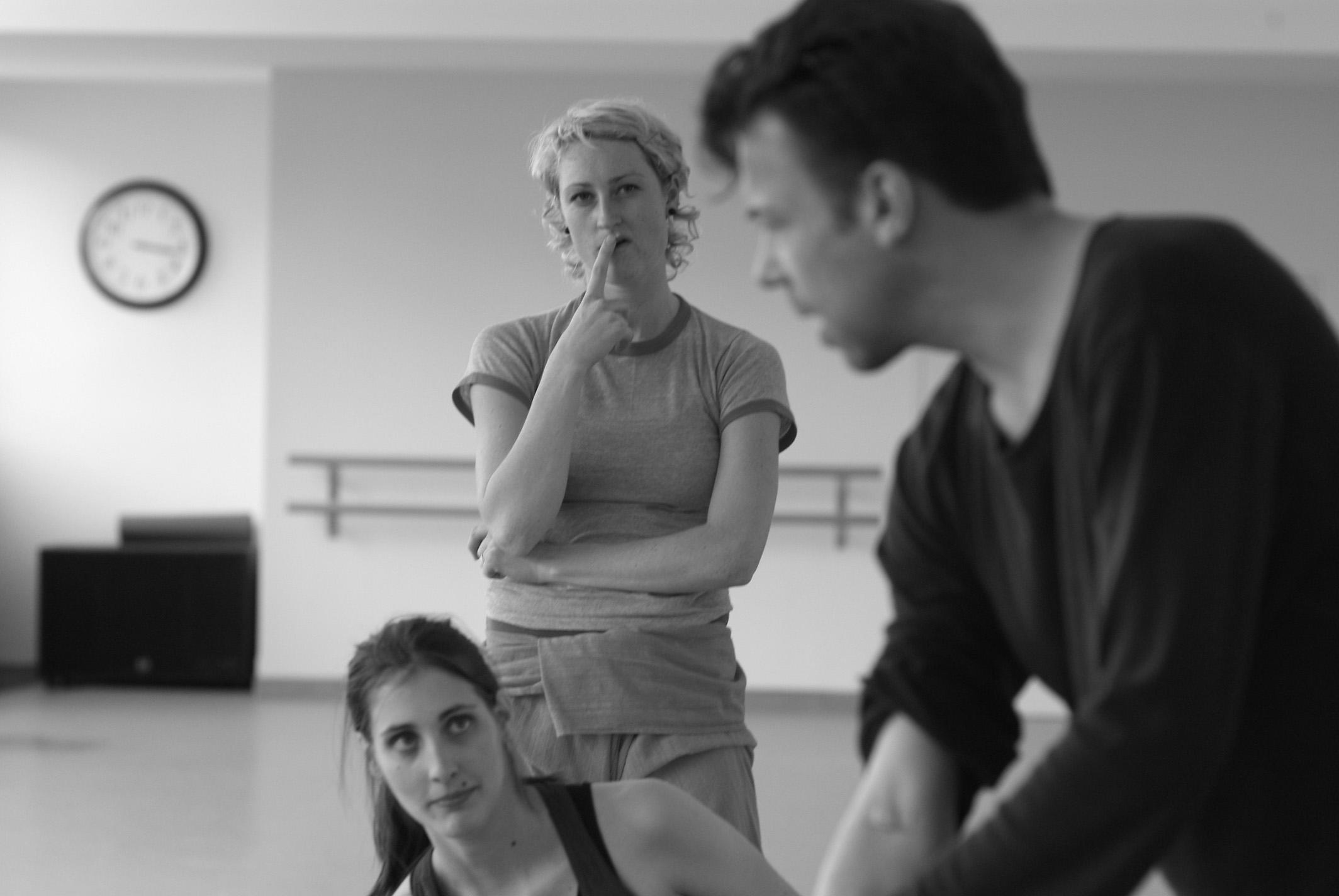 EN REPETITION - Alexandra Carey, Marina Ritz & Etienne Frey - © tristan pfund.jpg